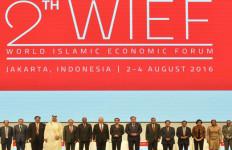 Jokowi: Selagi di Sini Jangan Lupa Menikmati Shopping Kelas Dunia - JPNN.com