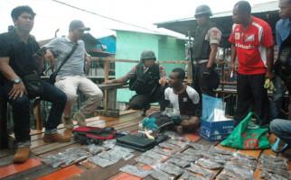 8 WN Papua New Guinea Ditangkap, 40 Butir Amunisi dan 3 Peledak Disita - JPNN.com