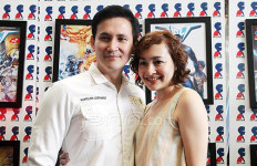 Datang Terlambat ke Sidang Cerai, Dewi Rezer: Apa Kabar? - JPNN.com