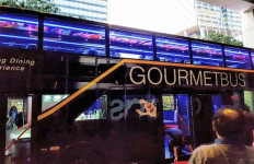 Kunjungi Singapura, Yuk...Nikmati Sensasi Makan di Bus - JPNN.com