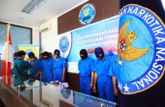 Jaringan Palembang Samarkan Narkoba dalam Makanan Kucing - JPNN.com