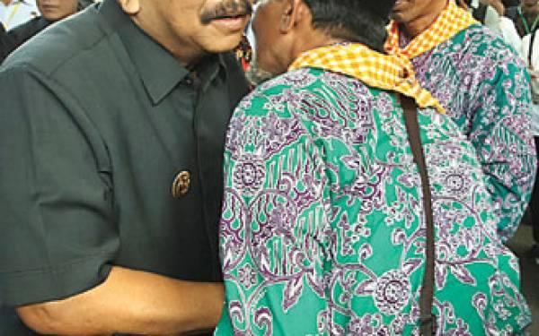 Lima Orang Terpaksa Batal Naik Haji Kloter I - JPNN.com