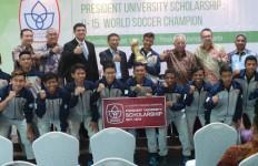 Juara di Swedia, ASIOP Dapat Beasiswa di President University - JPNN.com