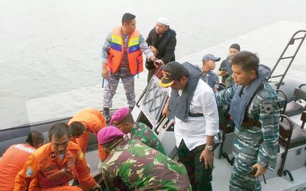 TIM SAR Temukan Empat Lagi Korban Pompong Tenggelam - JPNN.com