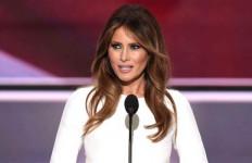 Ditulis Pernah jadi Perempuan Panggilan, Bini Donald Trump Meradang - JPNN.com