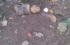 Geger! Warga Temukan Granat Aktif di Mampang Prapatan - JPNN.com