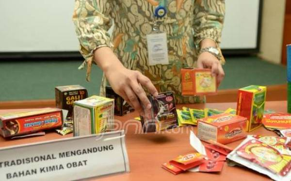 Penggerebekan di Balaraja, BPOM Juga Amankan Ribuan Obat Kuat Berbahaya - JPNN.com