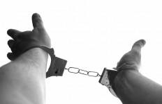 Suhadi Ditangkap di Depan Masjid, Sedang Menggendong Kambing - JPNN.com