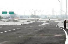 Proyek Infrastruktur Gencar, Truk Tonase Besar Laris Manis - JPNN.com