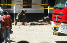 3 Wanita Serang Mabes Polisi, 1 Pakai Pisau, 1 Bawa Bensin, Satunya Lagi... - JPNN.com
