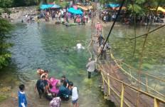 Kronologis Ambruknya Jembatan Gantung, Ratusan Warga Tercebur ke Sungai - JPNN.com