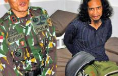 Sambil Tersenyum, Anak Buah Santoso Minta Polisi Beli Ayam Goreng - JPNN.com