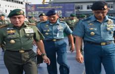 Kapal Perang TNI AL Angkut Satgas Tinombala Poso - JPNN.com