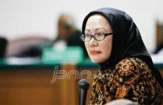 SIMAK! Inilah Daftar 'Korban' Serangan Maut Marissa Haque (1) - JPNN.com