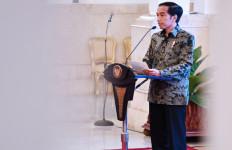 Sindiran Pedas untuk PNS, Jokowi: Duduk Manis, Hanya Urus SPJ - JPNN.com