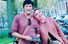 Uluh Uluuh...Marissa Haque Pamer Kemesraan - JPNN.com