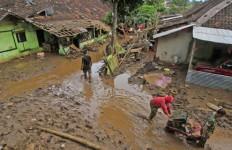 Tower Bersama Kirimkan Monik untuk Korban Banjir Garut - JPNN.com