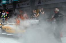 FP 1 GP Malaysia: Mobil Magnussen Terbakar, Rosberg Tercepat - JPNN.com