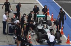 Fantastis! Catat Rekor, Hamilton Start Terdepan di GP Malaysia - JPNN.com