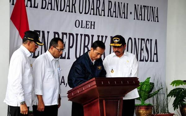 Resmikan Bandara Ranai, Jokowi Berharap Dua Sektor Ini Meningkat - JPNN.com
