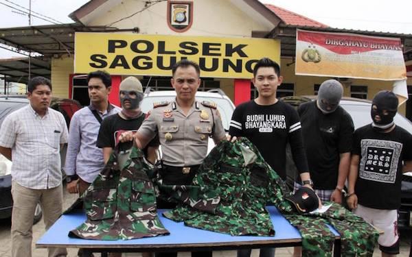 Anggota TNI Gadungan Ini Gelapkan Lima Unit Mobil Warga - JPNN.com