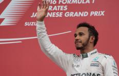 Bos Mercedes Yakin Hamilton Menggila di Empat Seri Sisa - JPNN.com