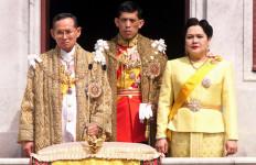 Saat Raja Bhumibol Sakit, Bursa Saham Terpuruk, Ketika Mangkat... - JPNN.com