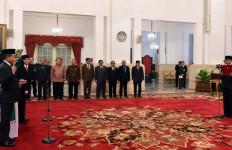 Pilih Jonan dan Arcandra, Jokowi: Dua-duanya Keras Kepala - JPNN.com