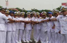 Pangarmabar Pimpin Pergantian 7 Komandan - JPNN.com