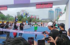 Oalah... Usai Terima Hadiah, Juara Jakarta Marathon Malah Bilang Begini - JPNN.com