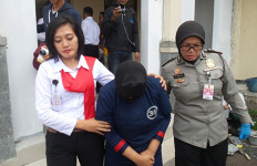 KEJI! PRT Disiksa Pakai Palu, Air Panas dan Semangkuk Cabai Rawit - JPNN.com
