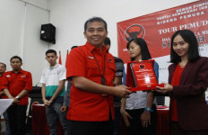 PDIP Beri Penghargaan kepada Atlet dan Pemuda Berprestasi - JPNN.com