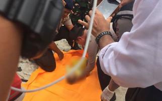 Jenazah Bayi Ini Diangkat dari Laut Bersama Korban Tewas Lainnya - JPNN.com