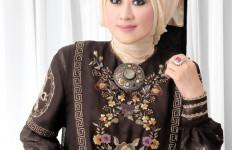 Lisda Rawdha Tuangkan Tren Busana Muslim di Indonesia Modest Fashion - JPNN.com