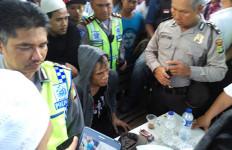 SIP! Diduga Provokator, Pria Ini Ditangkap Demonstran - JPNN.com