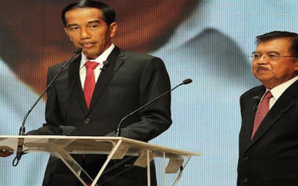 Sikapi Aksi 4/11, Pengamat: Jokowi Biasa, JK Lebih Jelas - JPNN.com