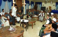 Pasca Aksi Damai 4/11, Panglima TNI - Ulama Dialog di Pangkalan Militer - JPNN.com
