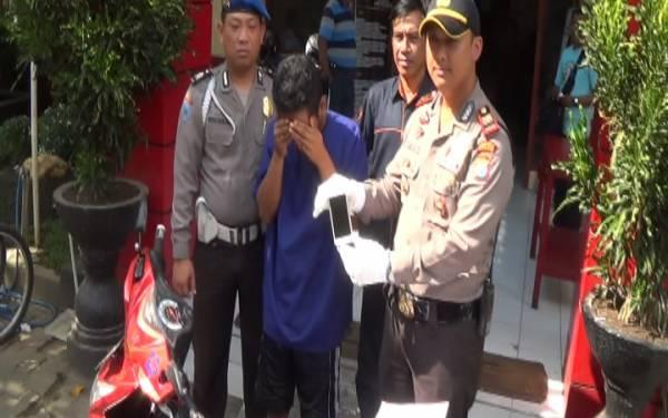 HAHAHA..Jambret Takut Hantu, Gak Usah Ditangkap Malah Datang Sendiri - JPNN.com