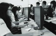 Tuh Kan..Sekolah Akhirnya Luntang Lantung Cari Utangan - JPNN.com