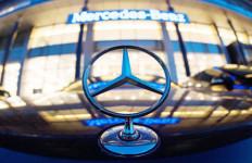 Infrastruktur Cerah, Mercedes Incar Pasar Kendaraan Komersial - JPNN.com