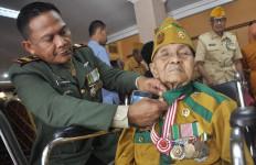 Sang Pejuang, 70 Tahun Sisa Proyektil Masih Bersarang di Dada - JPNN.com