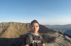 Pendaki Tampan itu Hembuskan Nafas Terakhir di Gunung Ijen - JPNN.com