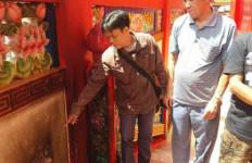 Samarinda Masih Berduka, Molotov Hantam Wihara di Singkawang - JPNN.com