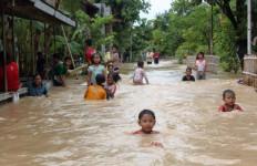 Cckck..Banjir Bikin Ngawi Rugi Rp 10 Miliar - JPNN.com
