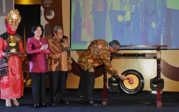 Bangun Reputasi Indonesia Melalui Kerja Nyata - JPNN.com