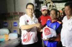 Taruna Merah Putih Bantu Korban Kebakaran di Penjaringan - JPNN.com