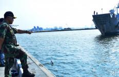 KRI Jenis Kapal Amfibi Sandar Perdana di Sini - JPNN.com