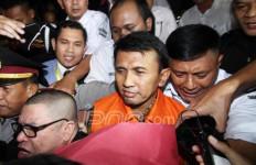 Tok! Tok! Tok! Gatot Divonis 6 Tahun Penjara Dalam Kasus Dana Bansos - JPNN.com