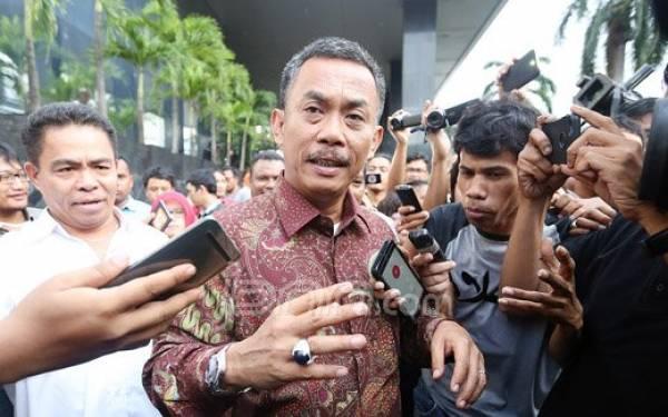 Gara-Gara Stiker, Ketua DPRD DKI Dilaporkan ke Bawaslu - JPNN.com