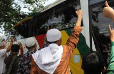 14 Ribu Massa dari Sumbar Ikut Aksi 212 di Jakarta - JPNN.com